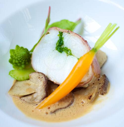 Veuve Clicquot - Bifes tamboril com cogumelos porcini assados