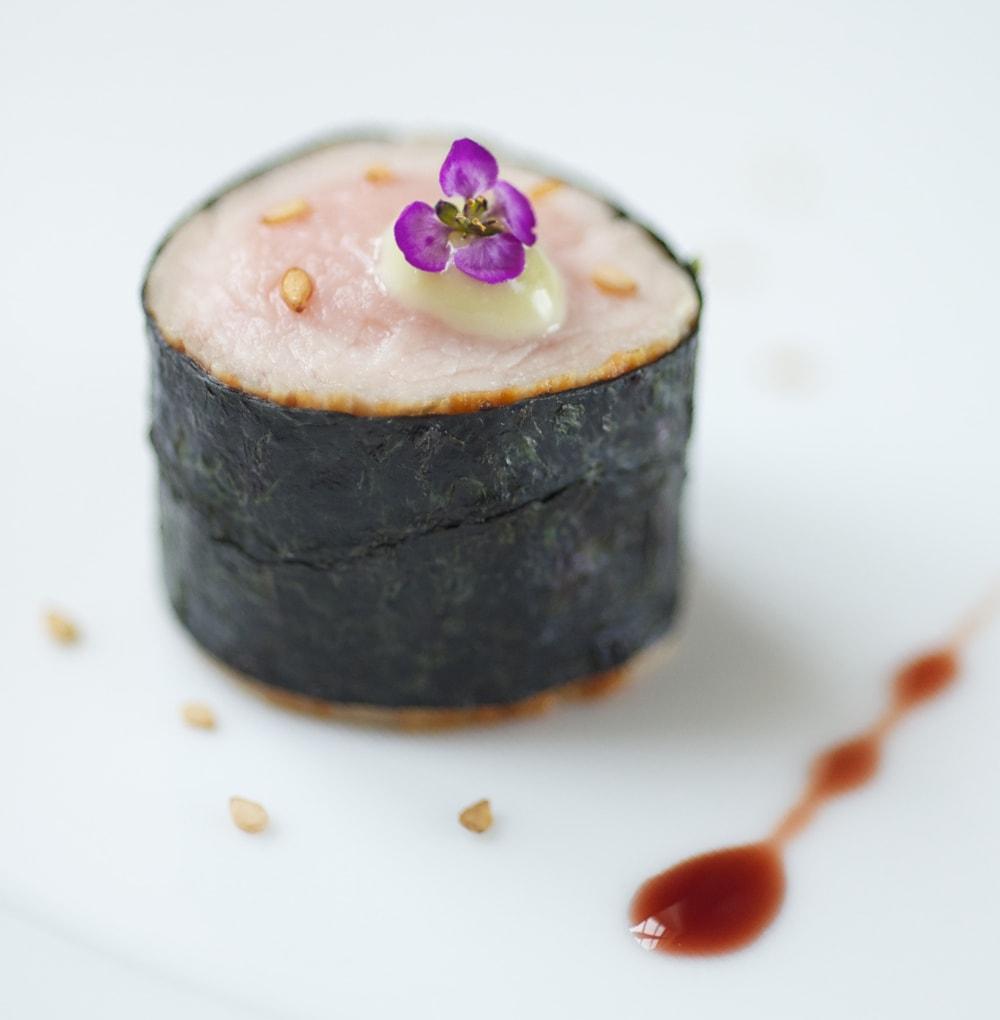 Veuve Clicquot - Kleines Kalbsfilet mit Nori und Austernsauce