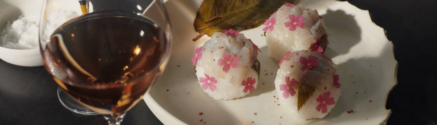 Sakura Temari Sushi / Gilthead Seabream / Champagne Sauce
