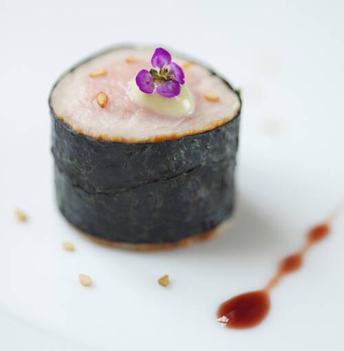 Veuve Clicquot - Solomillitos de ternera con alga nori y salsa de soja