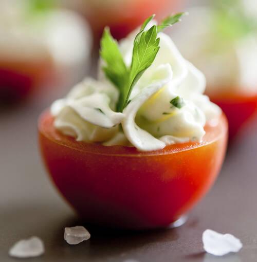 Veuve Clicquot - Cherry tomato zakouski